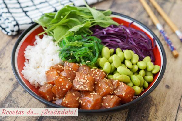 Receta de poke bowl de salmon, la ensalada hawaiana saludable y rica