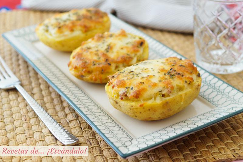 Patatas rellenas al horno con jamon, puerros y queso