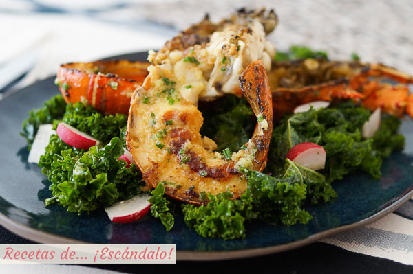 Receta de langosta a la plancha con jengibre y cebollino y ensalada de kale
