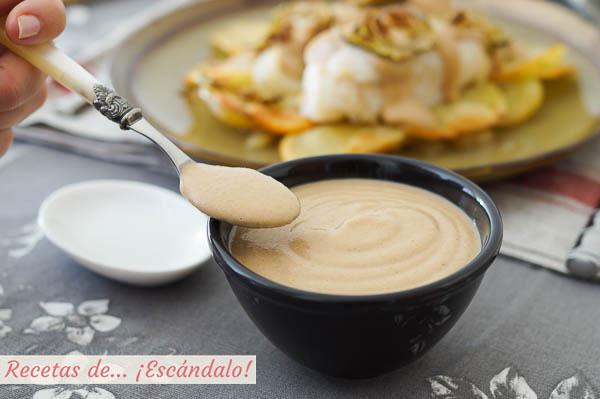 Receta de salsa de almendras casera y cremosa, ideal para carnes y pescados