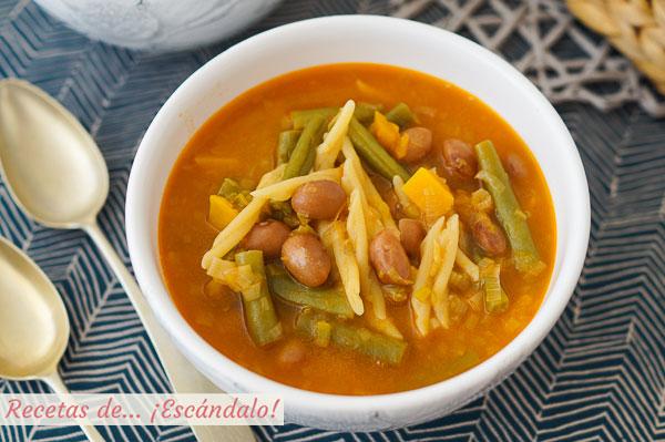 Como hacer sopa minestrone de verduras con pasta y alubias. Receta tradicional
