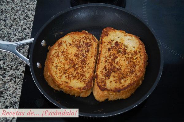 Como hacer tostadas francesas o french toast con fresas y caramelo salado