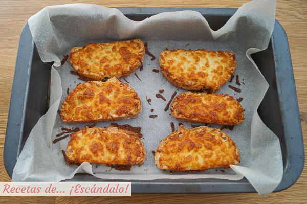 Tostadas con queso gratinado