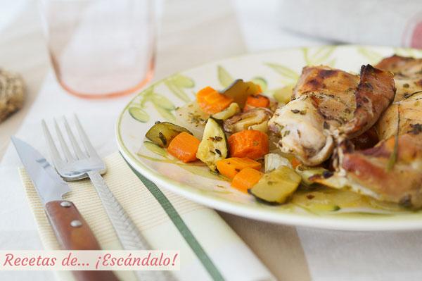Como hacer conejo al horno con romero y verduras asadas. Receta sencilla y deliciosa