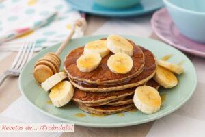 Pancakes o hot cakes de banana o platano. Sabrosos, rapidos y faciles