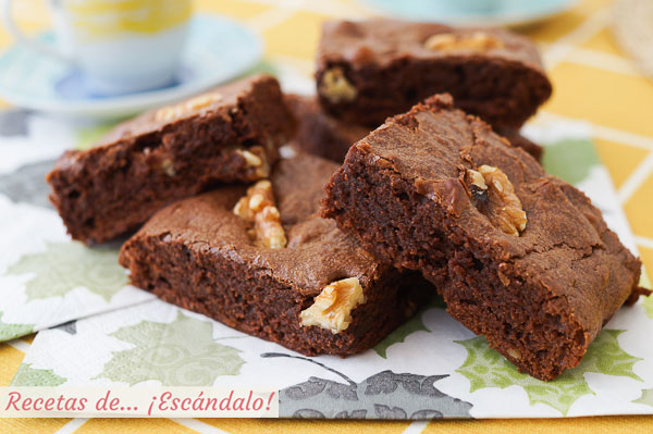 Receta de brownie de chocolate con nueces, humedo y denso, irresistible