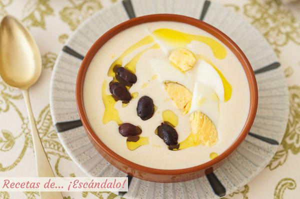 Como hacer mazamorra cordobesa, una crema fria tradicional con almendras y ajo