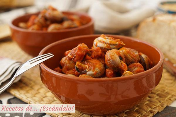 Sraigių padaže (aštrus ar ne) receptas su kumpiu ir chorizo