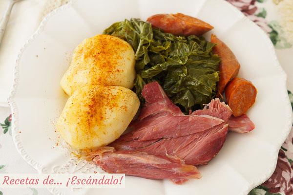 カブの葉 (またはコラードの葉) でラカンを作る方法。 伝統的なガリシアのレシピ