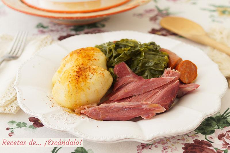 Lacon con grelos o berza. Receta tradicional gallega