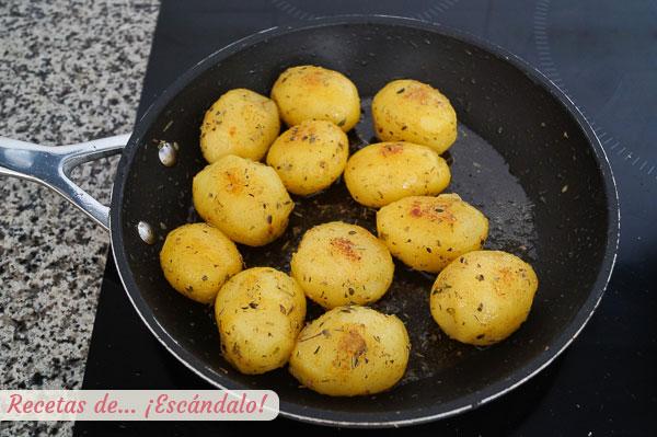 Guarnicion patatas mantequilla hierbas