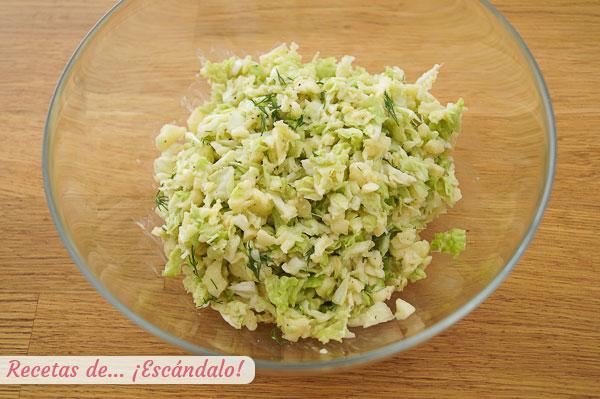 Naminis obuolys ir kopūstų salotos
