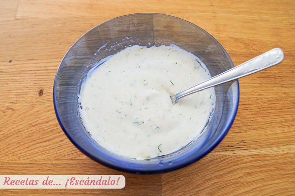 Naminis jogurto ir krapų padažas