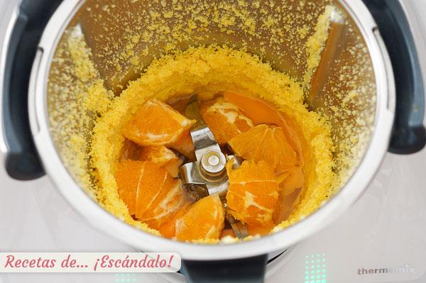 Naranja y huevos para bizcocho